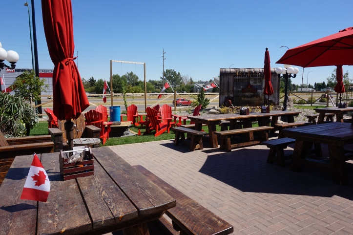 coulee brewing co patio